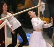 Selena Gomez en El Hormiguero: el baile de la barra