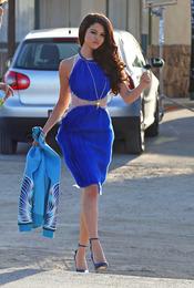 Selena Gomez muy elegante en su nuevo videoclip