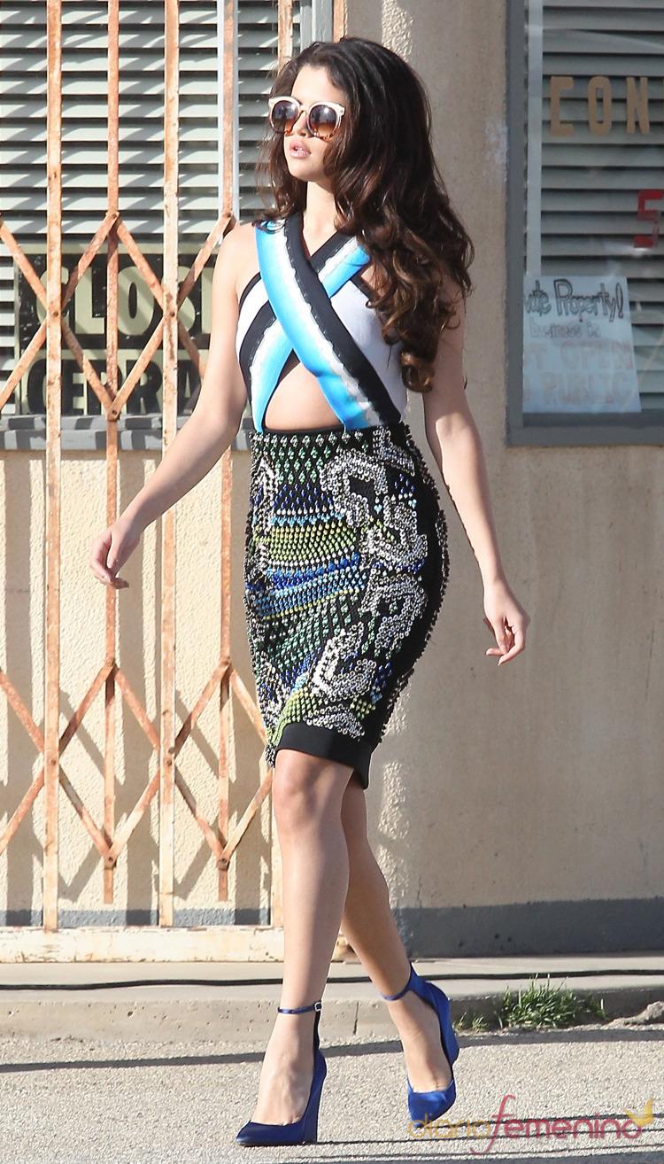 Selena Gomez apuesta por el look étnico en su nuevo videoclip
