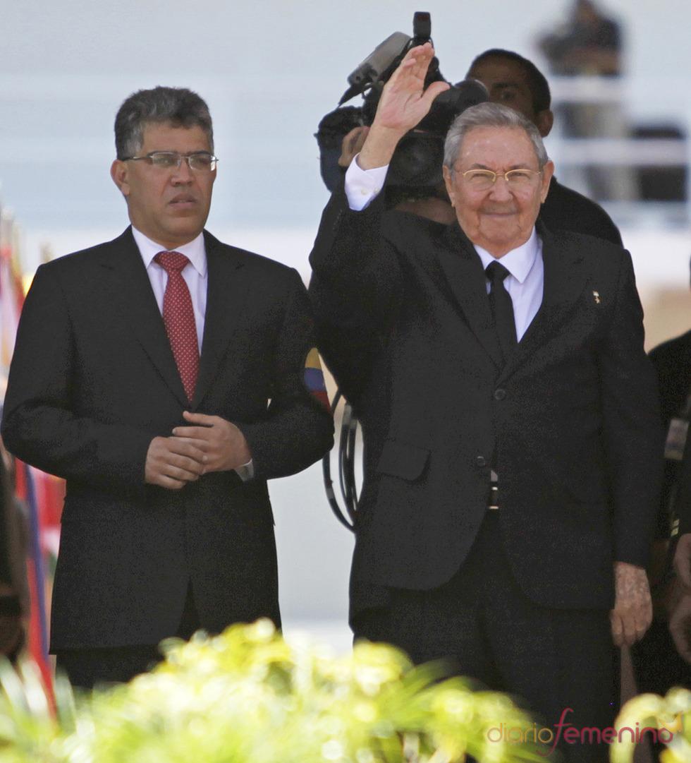 Raúl Castro, presidente de Cuba, llega al funeral de Hugo Chávez