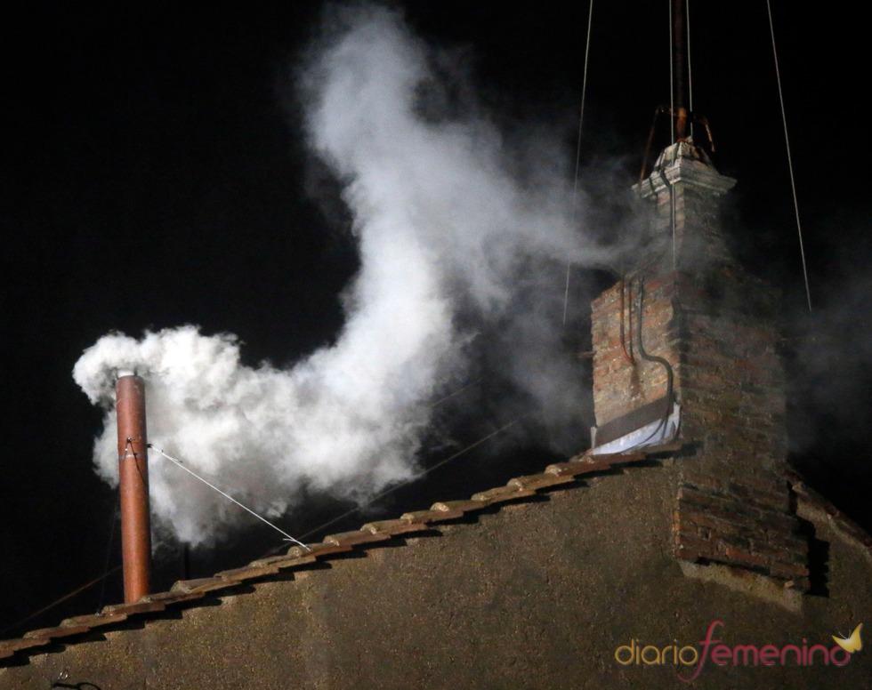 El camino del nuevo Papa: la esperada fumata blanca