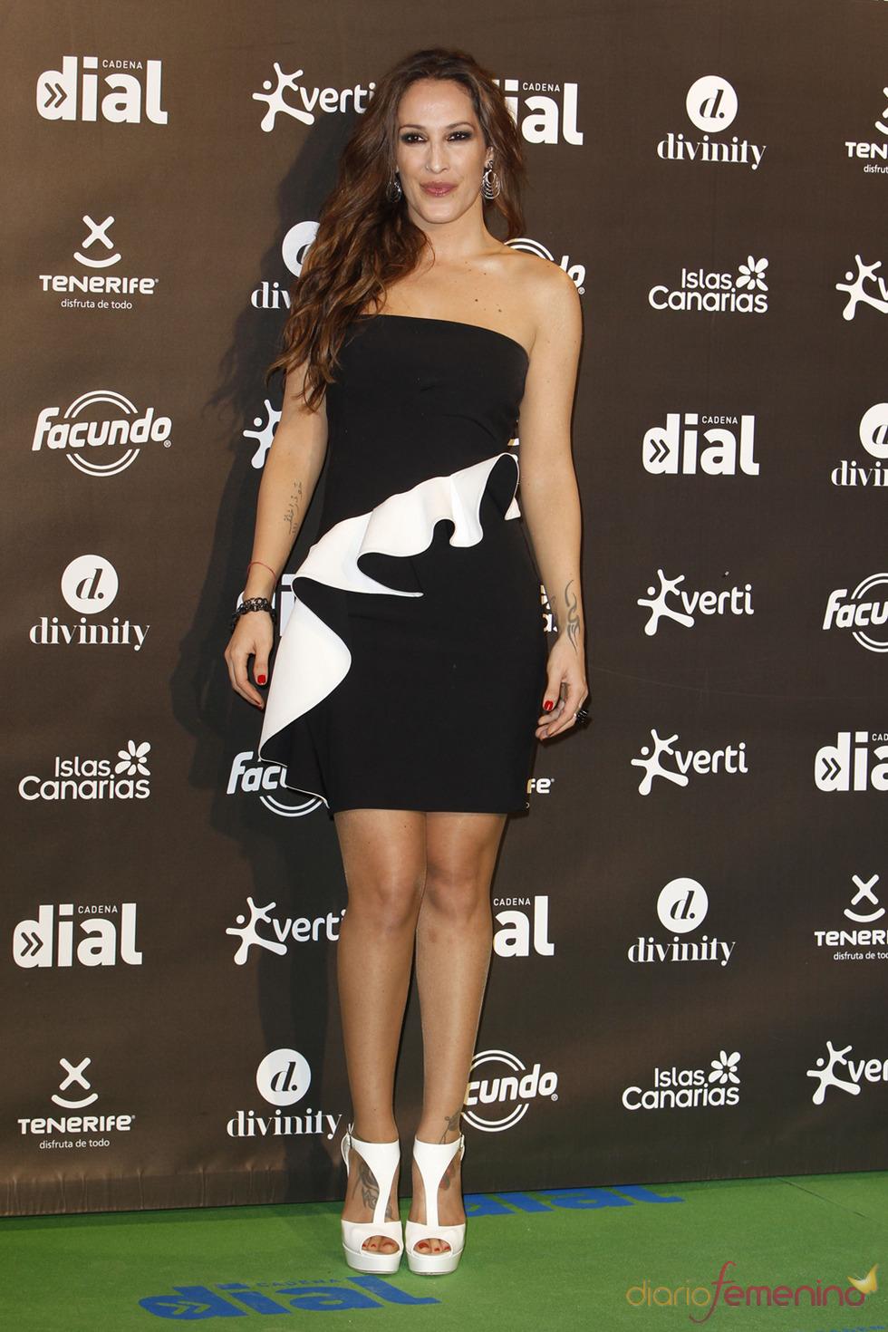 El look de Malú en los premios Cadena Dial a la música 2013