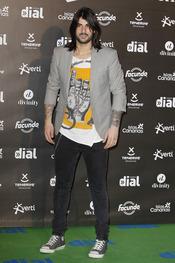 El look de Melendi en los premios Cadena Dial a la música 2013