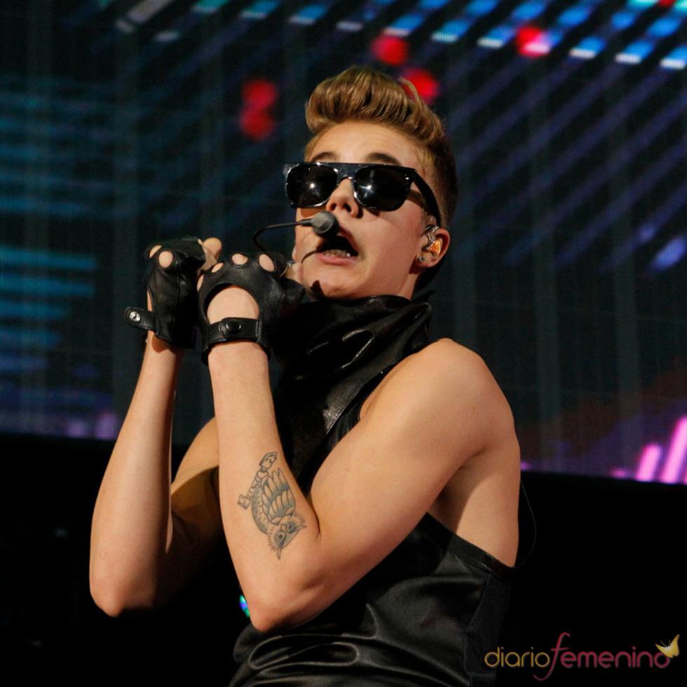 Los conciertos de Justin Bieber: inseparable de sus gafas de sol