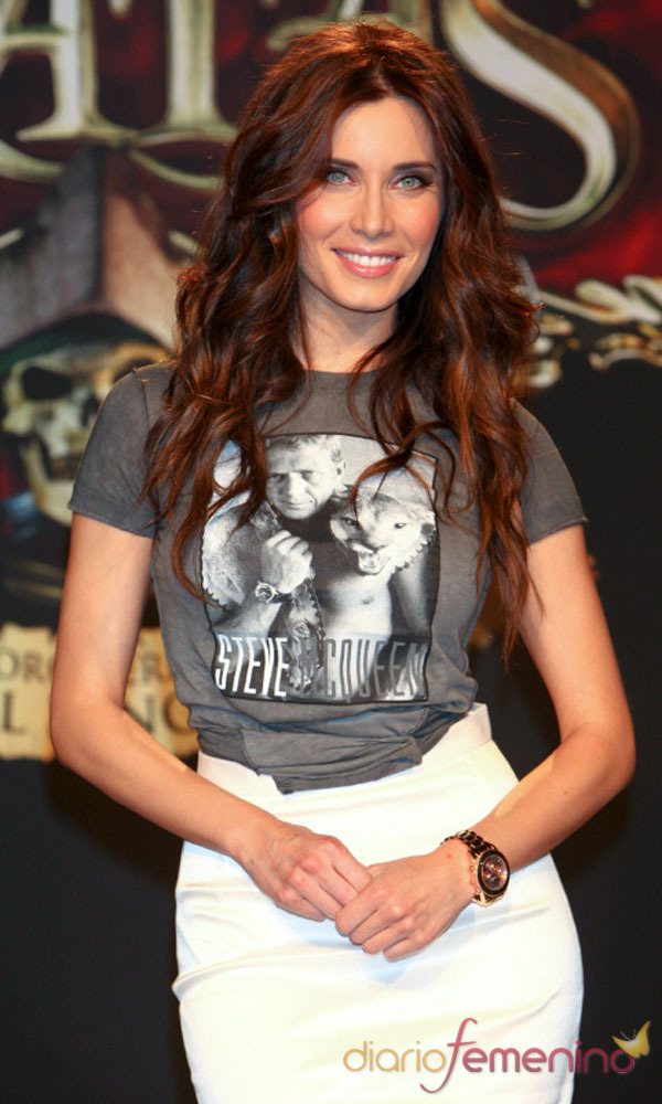 El look de Pilar Rubio: la camisetas son tendencia