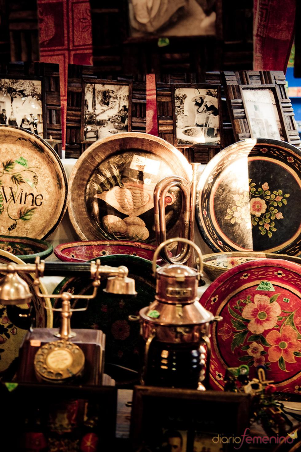 Decoración en el mercadillo de Las Dalias en Madrid