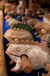 Decoración y artesanía en el mercadillo de Las Dalias en Madrid