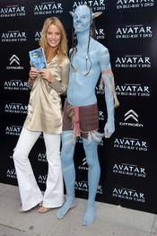 Estefanía Luyk presenta el DVD de 'Avatar'