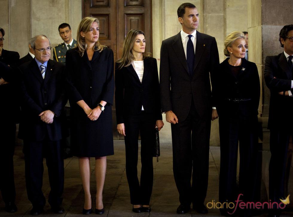 Los Príncipes de Asturias en la capilla ardiente de Samaranch