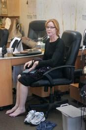 Marcia Cross en una sesión de pedicura