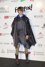Nicolás Coronado con capa