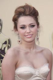 Miley Cyrus con recogido fashion