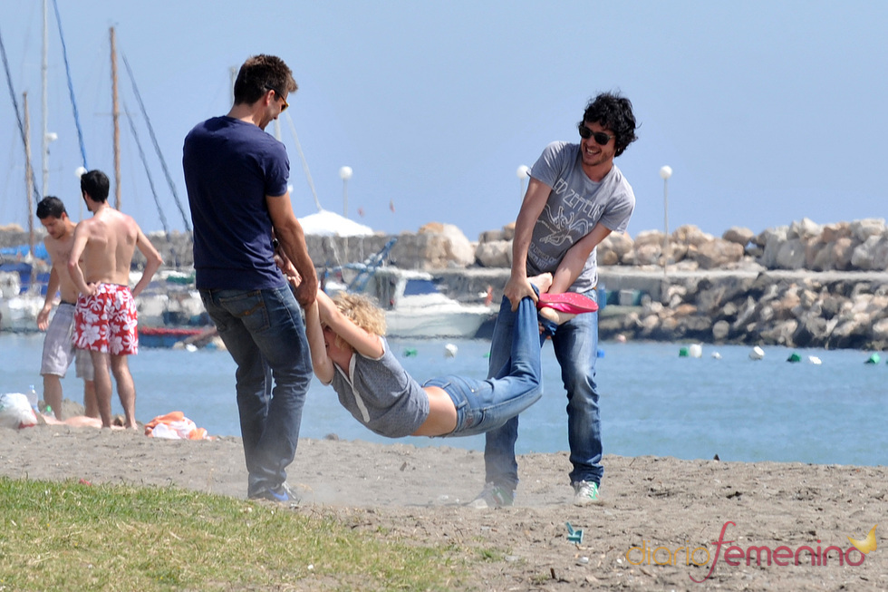 Javier Pereira y Marc Clotet juegan con Cecilia Freire en Málaga