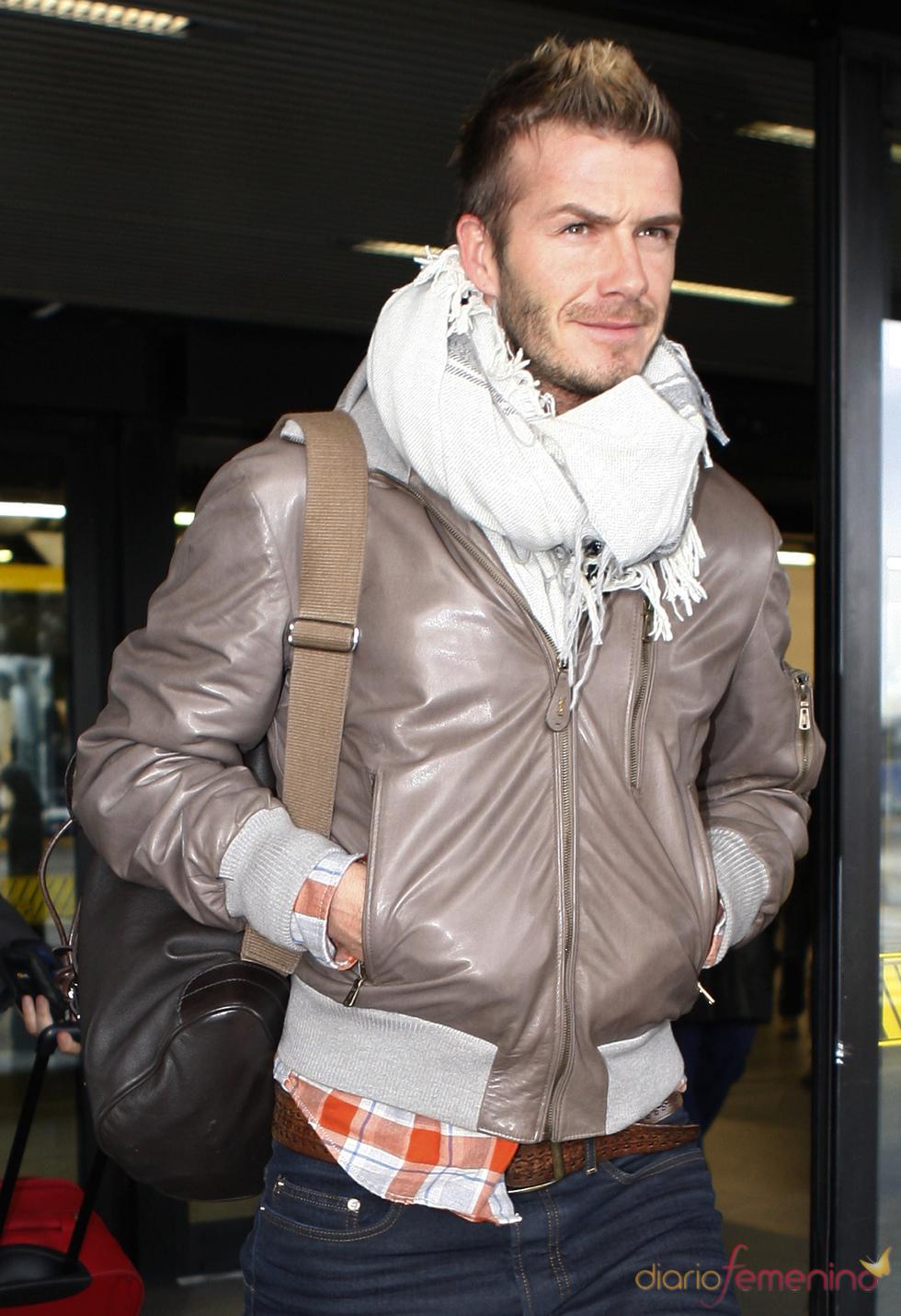 David Beckham marca tendencia en moda y peinado