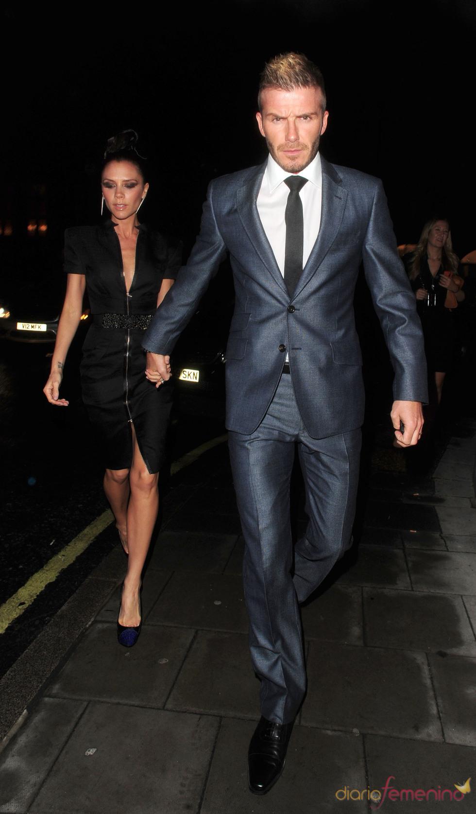 David y Vitoria Beckham con look nocturno
