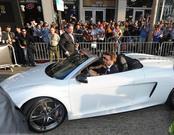 Robert Downey Jr. llega en coche a la premiere de 'Iron Man 2'