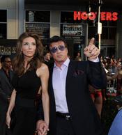 Sylvester Stallone y Jennifer Flavin en la premiere de 'Iron Man 2'