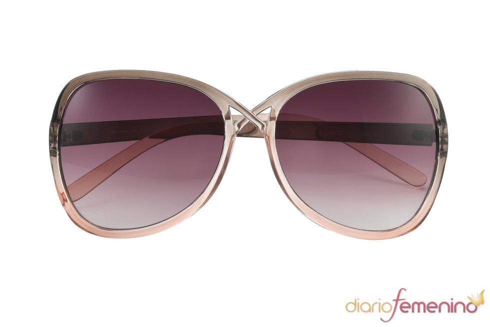 Gafas de sol hippies en tonos marrón
