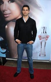 Adrian Bellani en el lanzamiento el perfume 'Eva'