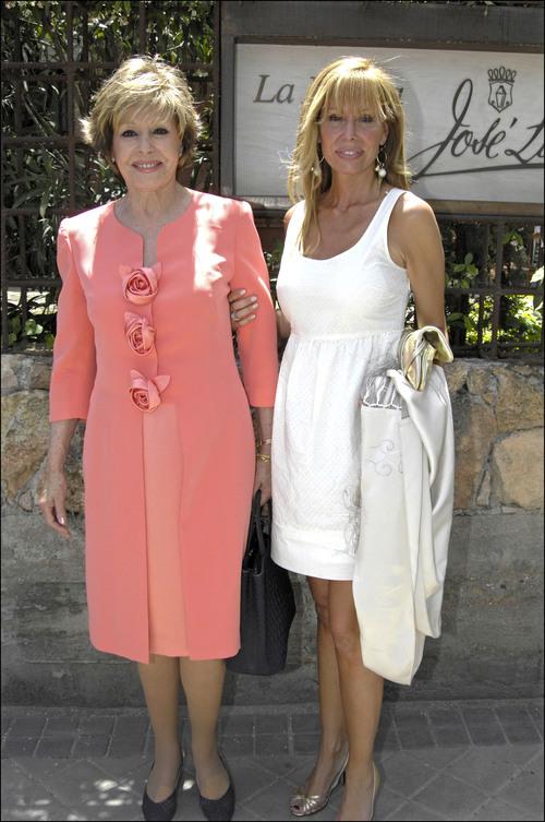Lara Dibildos y Laura Valenzuela, de Primera Comuión