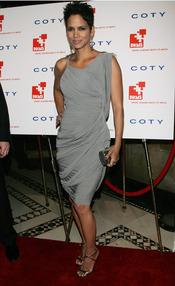 Halle Berry contra la leucemia