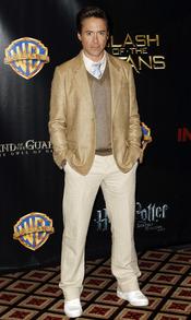 Robert Downey Jr. se pone elegante