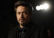 Robert Downey Jr. con perilla