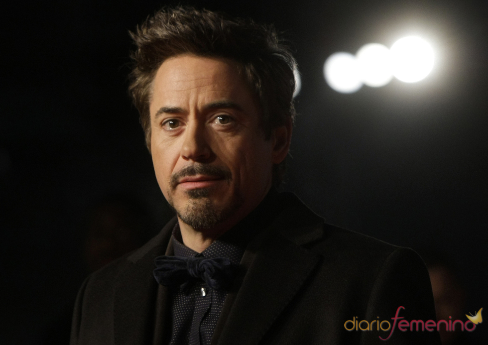 Robert Downey Jr. con perilla