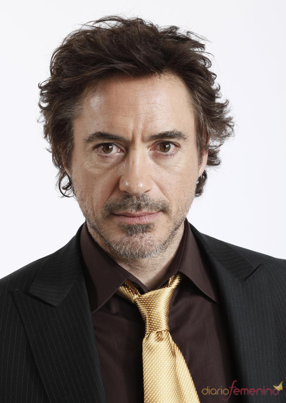 Robert Downey Jr. con barba de tres días