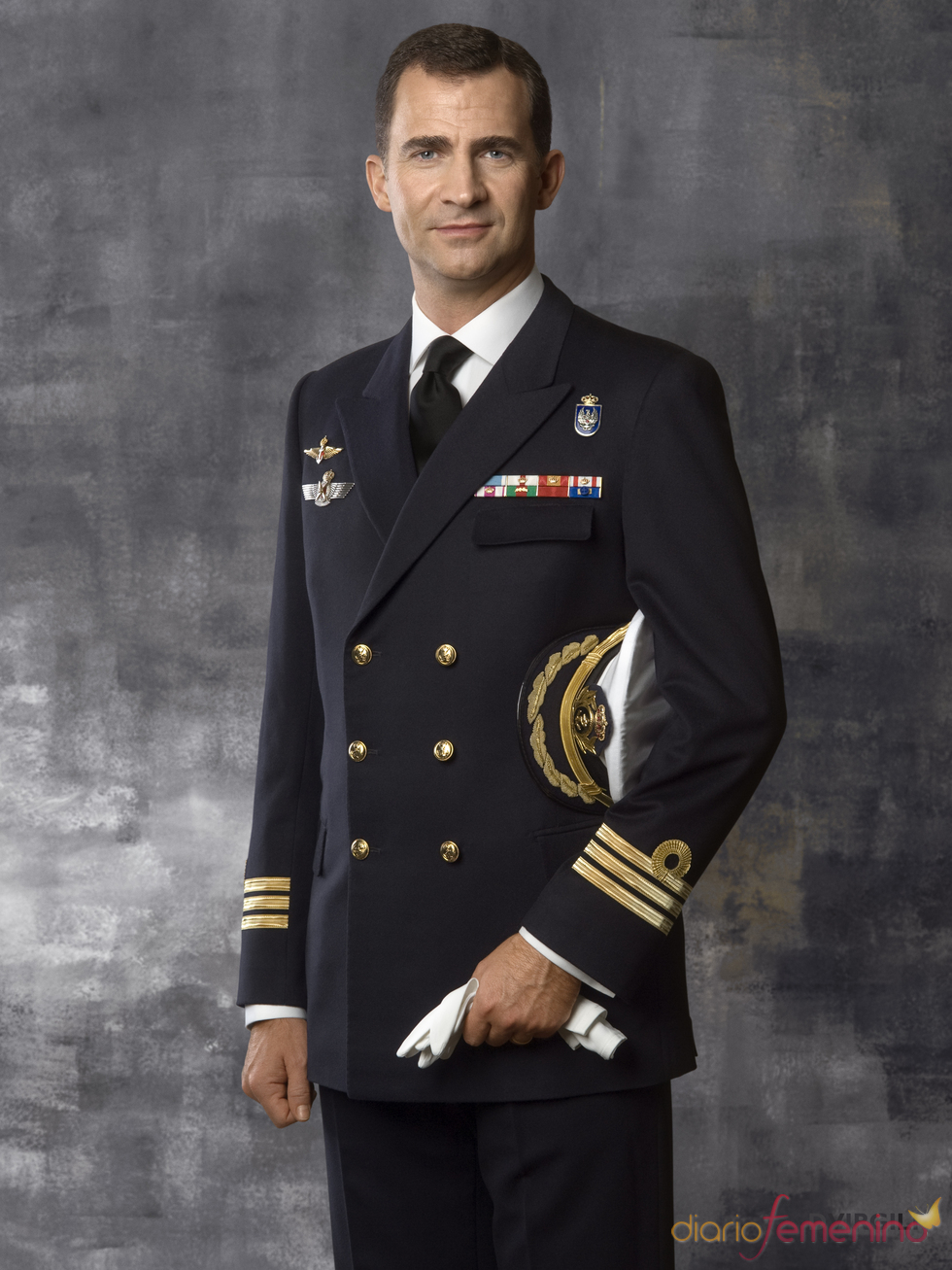Don Felipe, con uniforme de Capitán de Fragata de la Armada