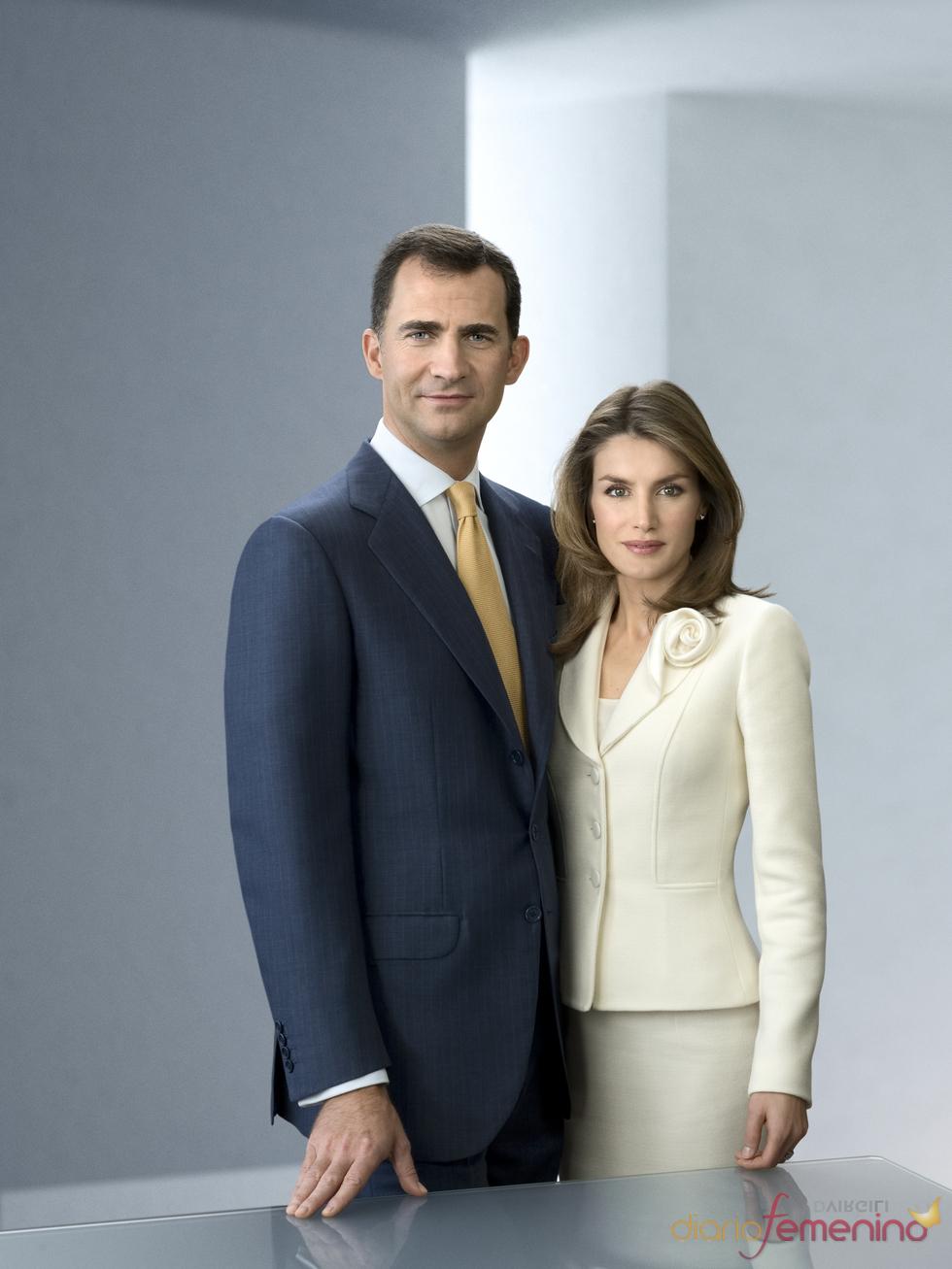 Fotografía oficial de los Príncipes de Asturias
