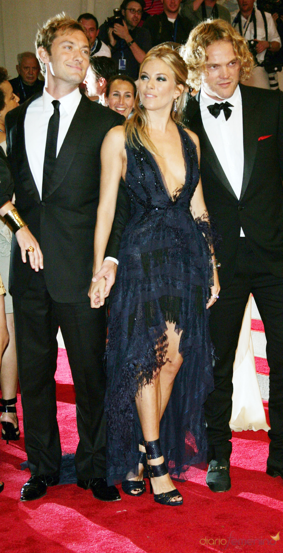 Jude Law y Sienna Miller en la gala del Costume Institute
