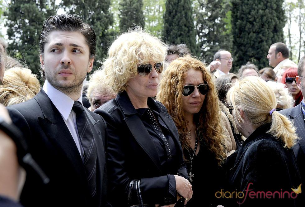 Bárbara Rey, Sofía y Ángel Cristo jr. de luto