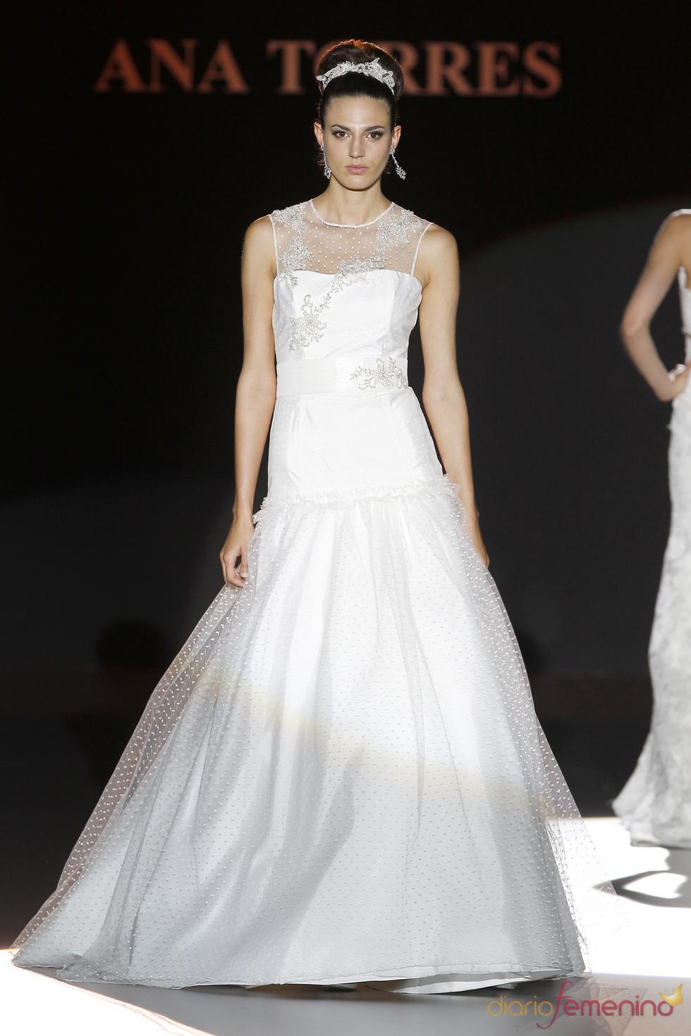 Vestido con transparencia de Ana Torres