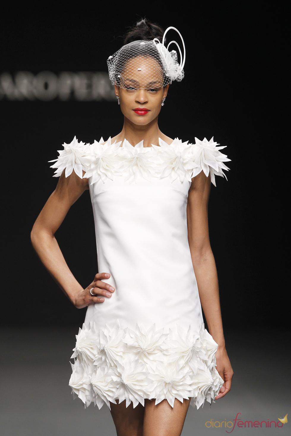 Vestido de novia corto de Charo Peres
