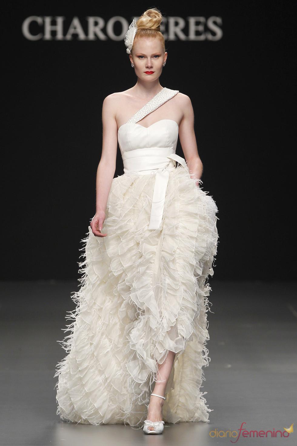 Vestido de novia con volumen de Charo Peres
