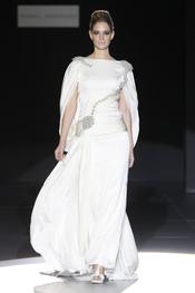 Moderno diseño para novia de Isabel Zapardiez