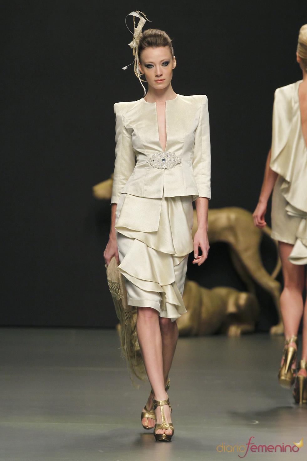 Elegante vestido de Rafael Urquizar