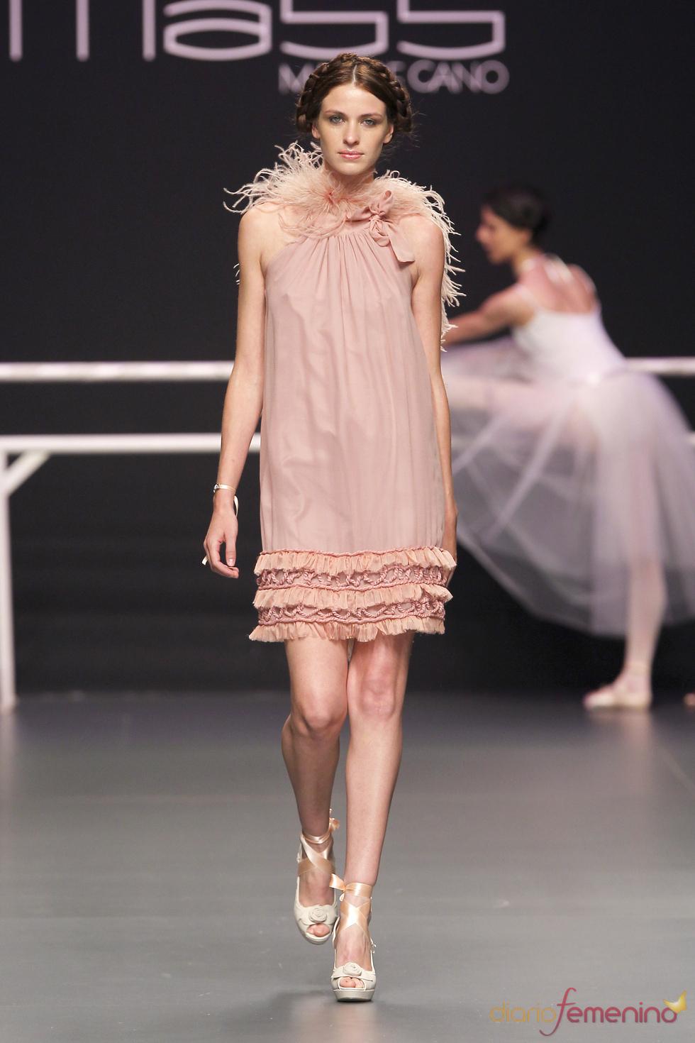 Matilde Cano presenta sus diseños en Cibeles Novias 2010