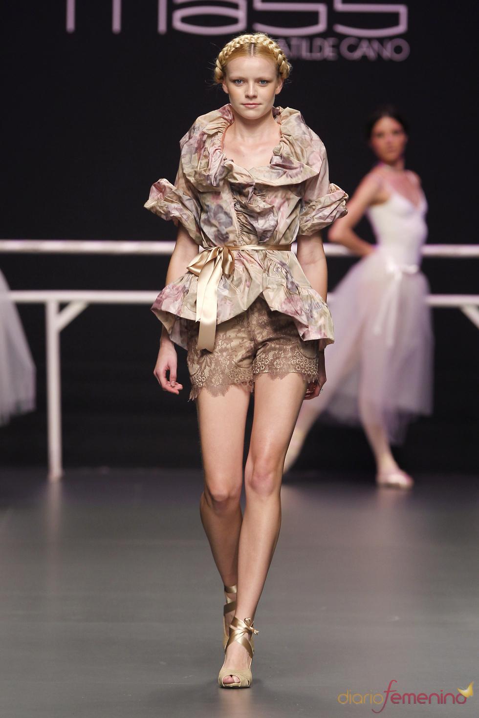 Cibeles Novias 2010:  diseños de Matilde Cano