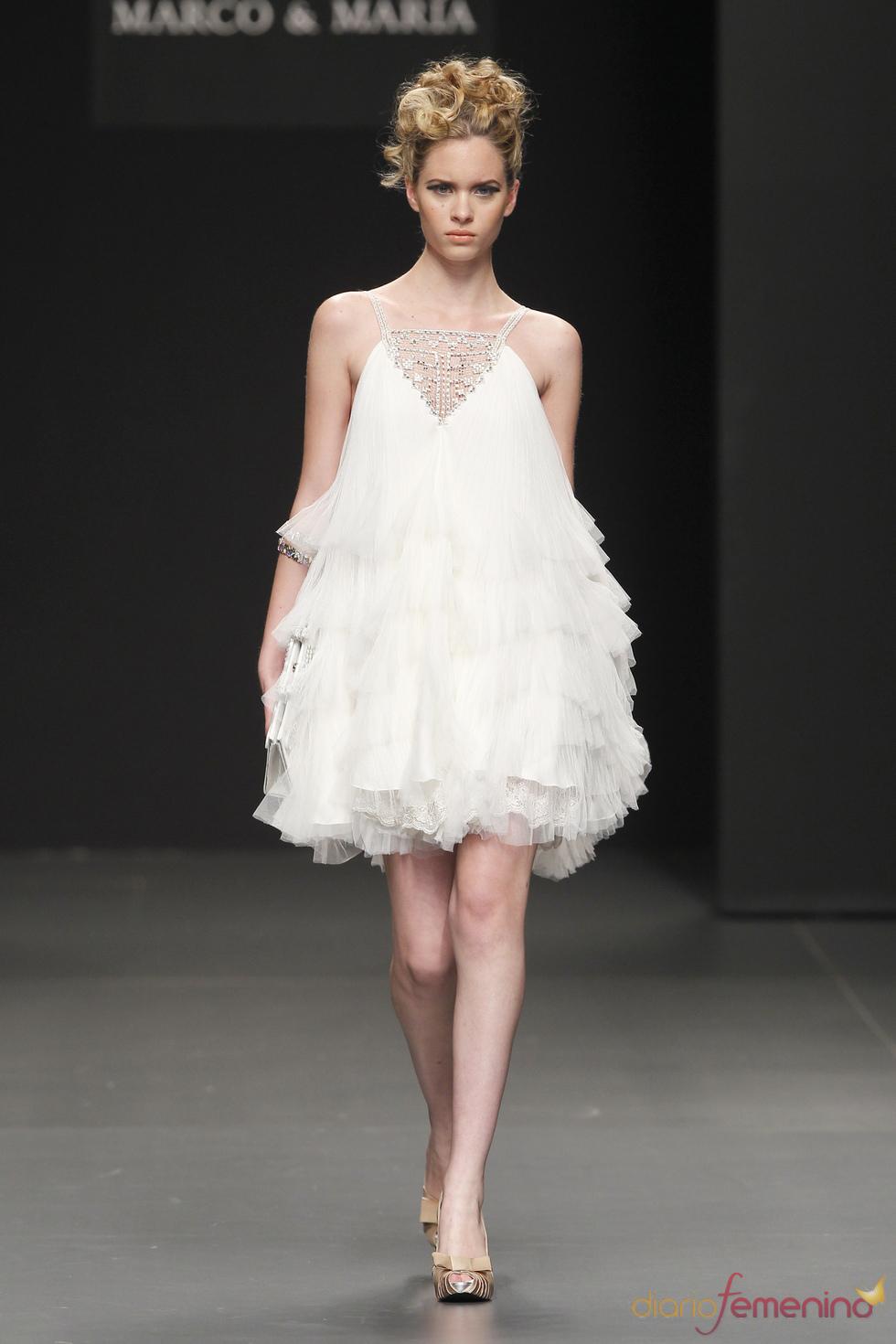 Vestido de novia con volumen, de M&M