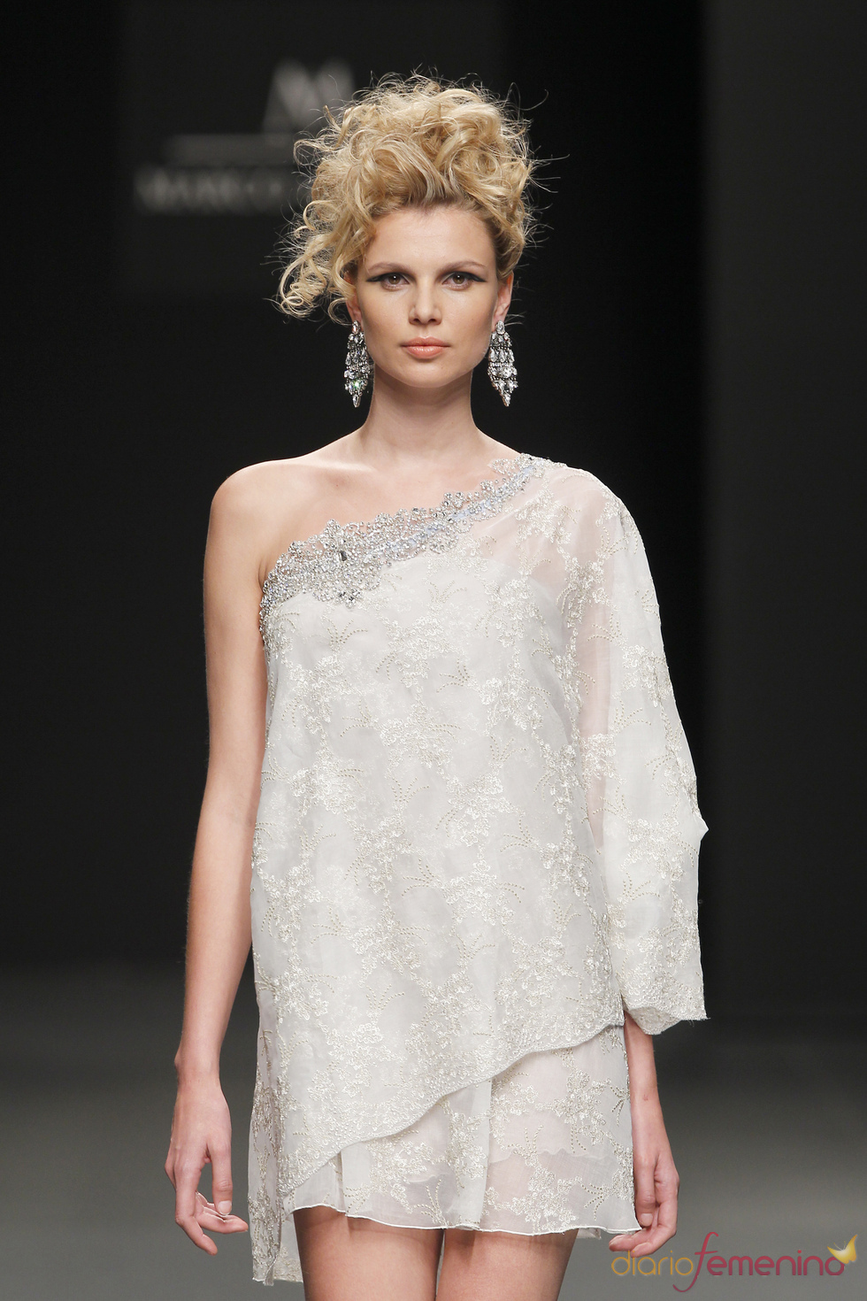 M&M visten a la novia del 2011