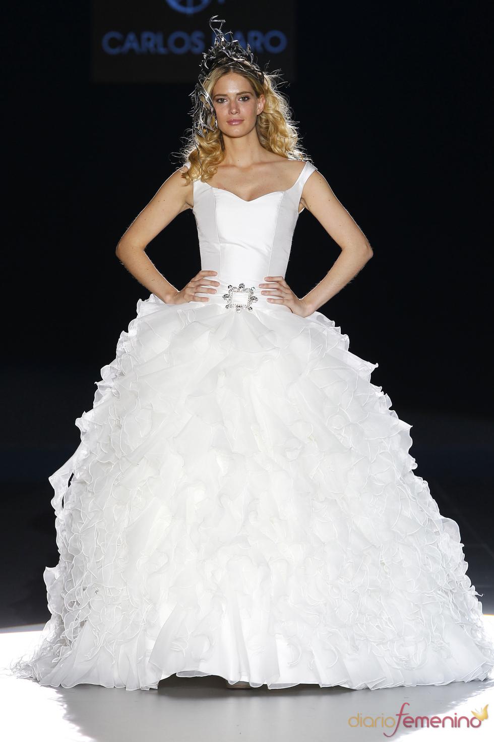 Vestido de novia estilo princesa de Carlos Haro