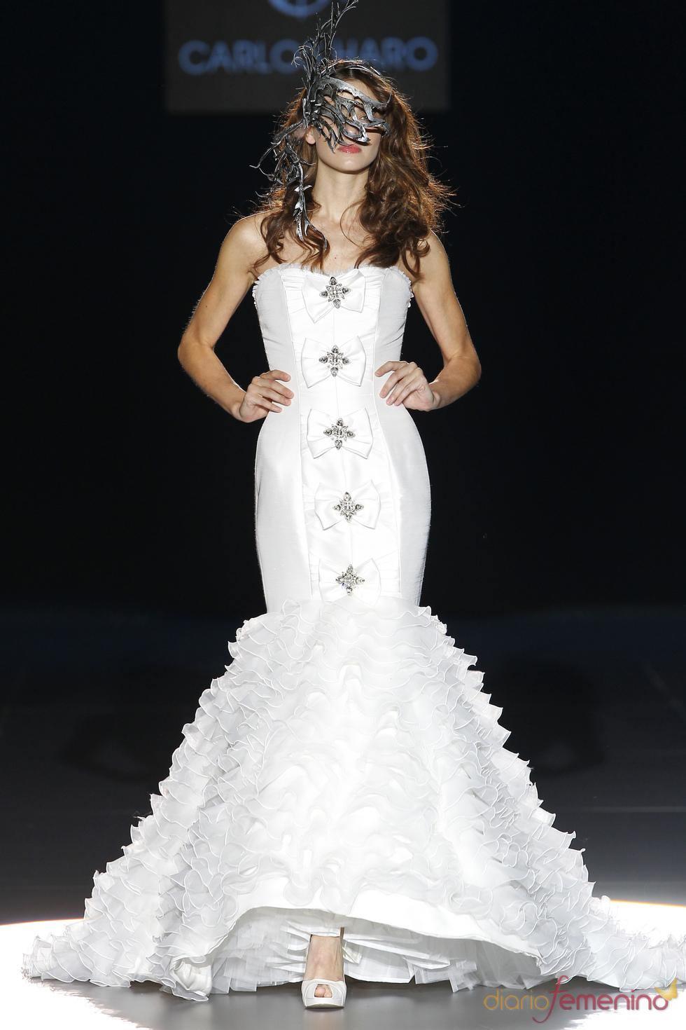 Vestido de novia palabra de honor de Carlos Haro