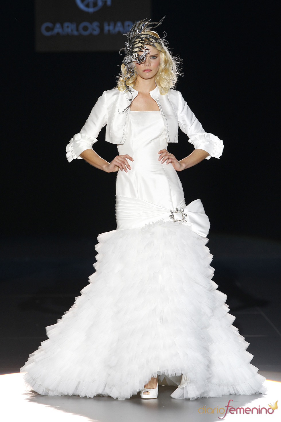 Carlos Haro viste a la novia de 2011