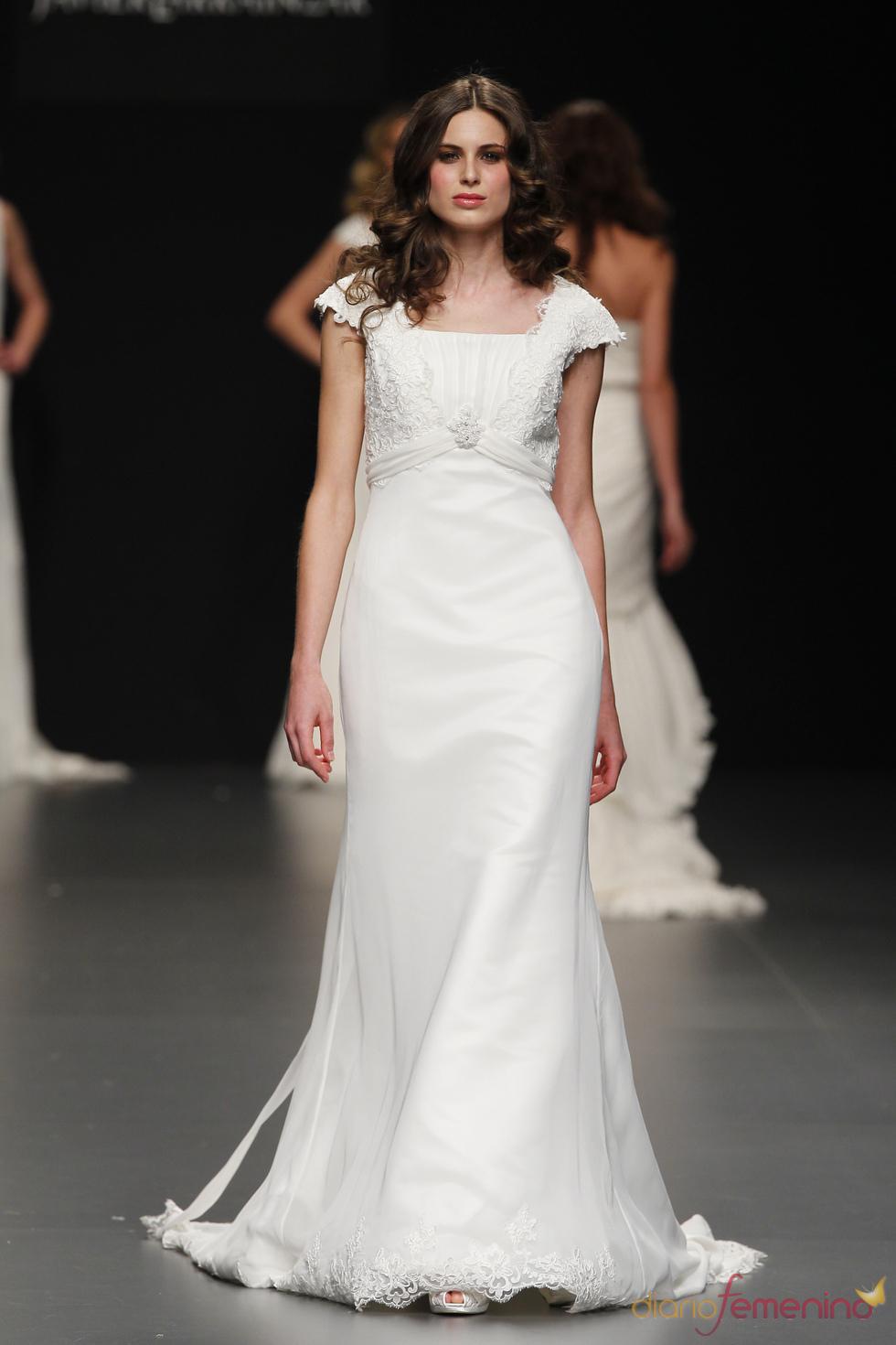 Vestido de novia clásico de Javier Larrainzar