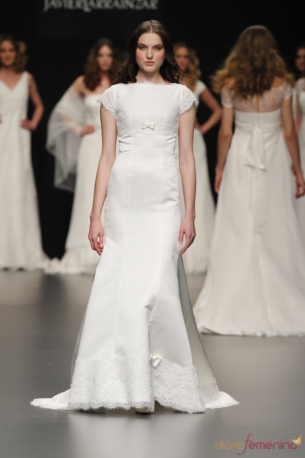 Vestido de novia muy chic de Javier Larrainzar