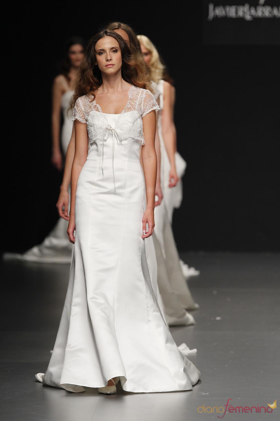 Elegante vestido de novia de Javier Larrainzar