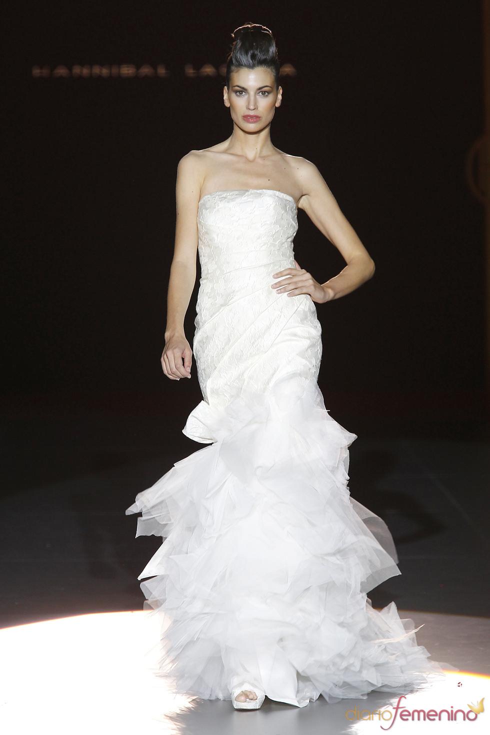 Colección de novia de Hannibal Laguna en Cibeles Novias 2010