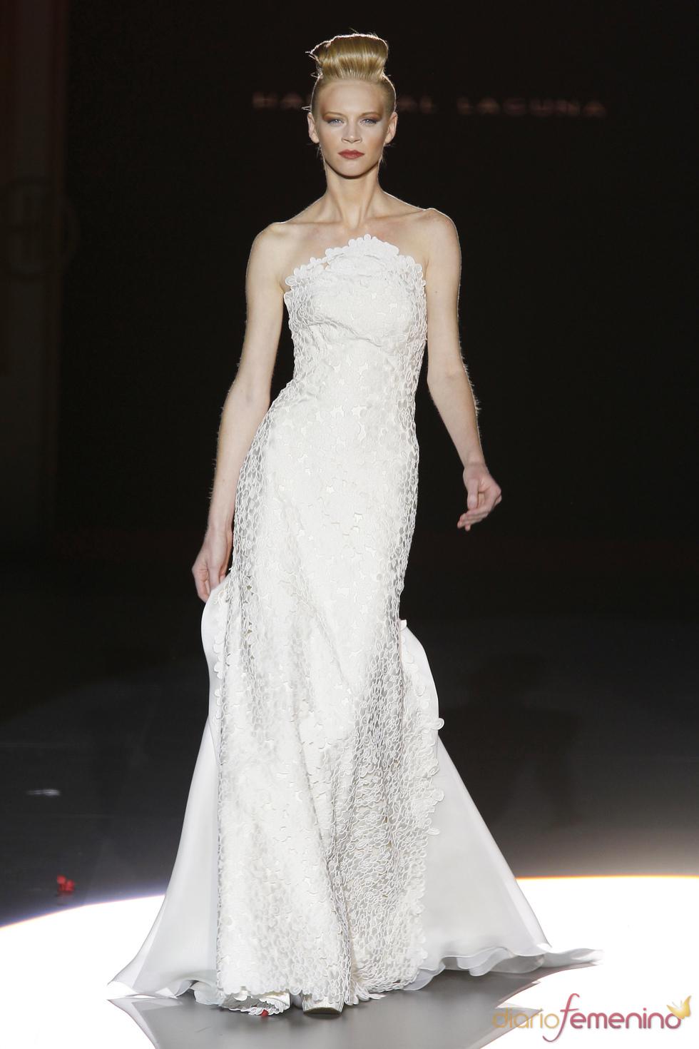Hannibal Laguna viste a la novia de 2011